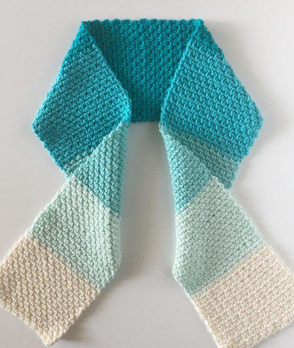 caron pantone crochet hat daisy farm crafts free crochet pattern - Hakelmutzen Muster
