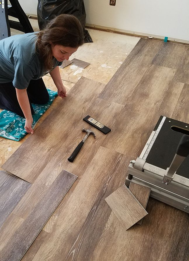 Installing Vinyl Floors A Do It Yourself Guide The Honeycomb Home Plank Flooring Diy Installing Vinyl Plank Flooring Diy Flooring