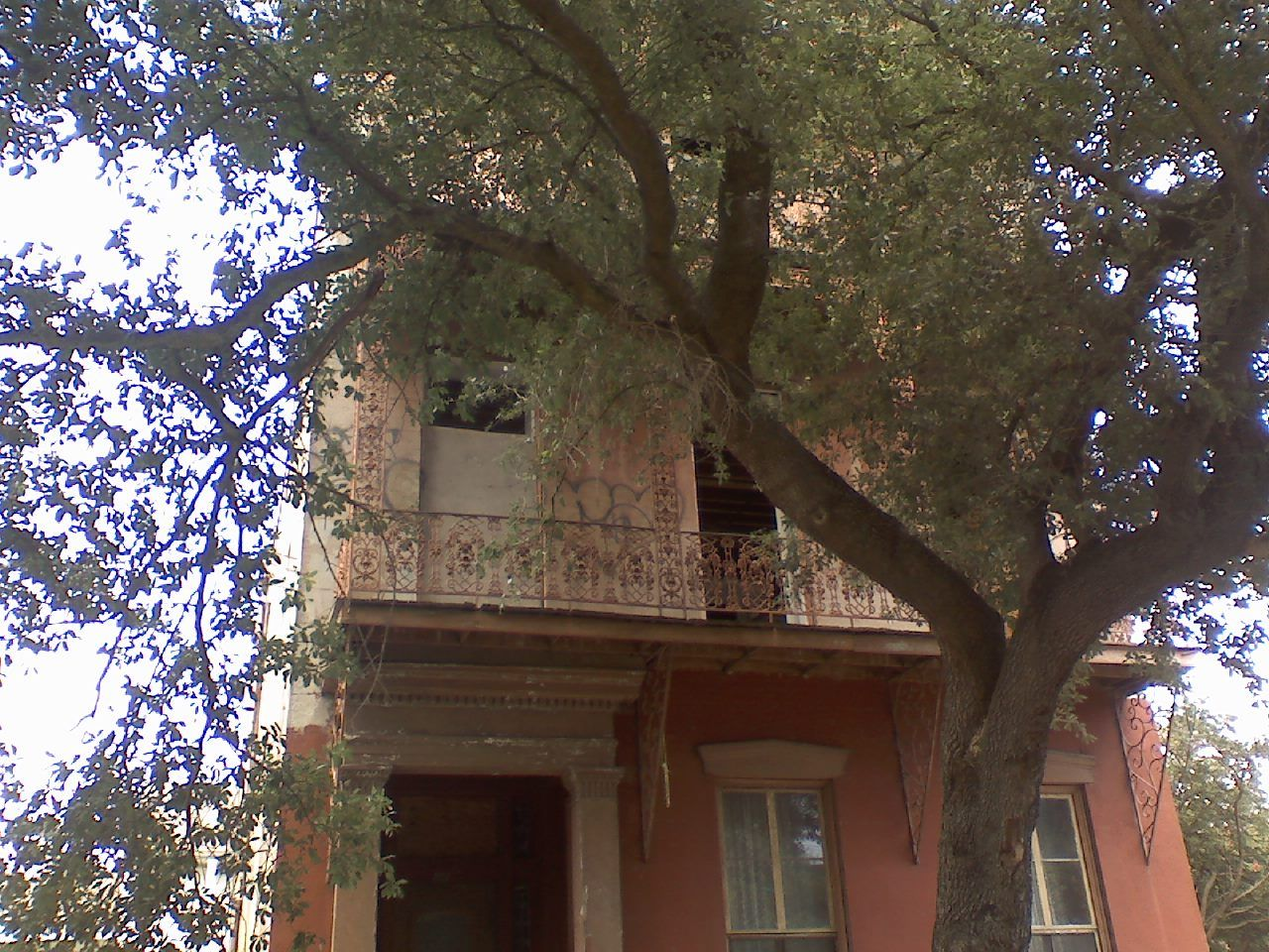 the architecture in NOLA is beautiful... spanish inspired, french tweaked into southern charm.