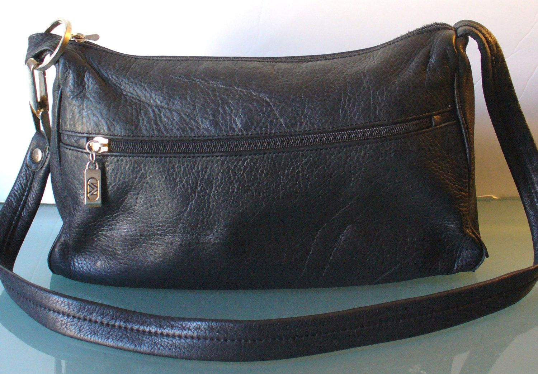 1595aea1ed3b Modi Made in Italy Black Pebble Leather Shoulder Bag by EurotrashItaly on  Etsy