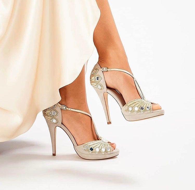Pin By C Shraddha On Designers Wedding Shoes Wedding Wedding