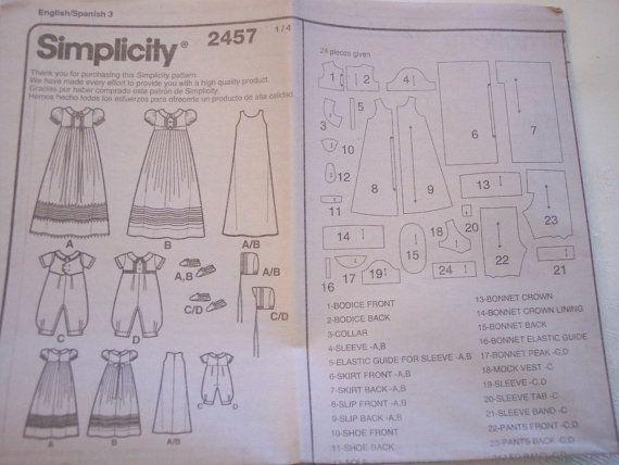 Patrón para el vestido de bautizo para niño o niña, simplicidad #2457 fecha de 2010. Modelo nuevo, inusitado para conjuntos de bautizo de los bebés con sombrero y zapatos incluidos. Incluye el vestido, deslizarse, Capo & zapatos para niñas... mameluco, Capo & zapatos para niños. Cuatro tamaños están incluidos: XXSmall, hasta 7 libras, hasta 17 XSmall 1-3 meses, 7-13 libras, 17-24 Pequeño 6 meses, 13-18 libras, 24-26 1/2 Med.12 meses, 18-21 libras, 26 1/2-31 Tran...