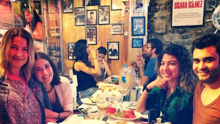 Feriha, jej matka Zehra a brat Mehmet opäť spolu! | Aktuálne | Feriha