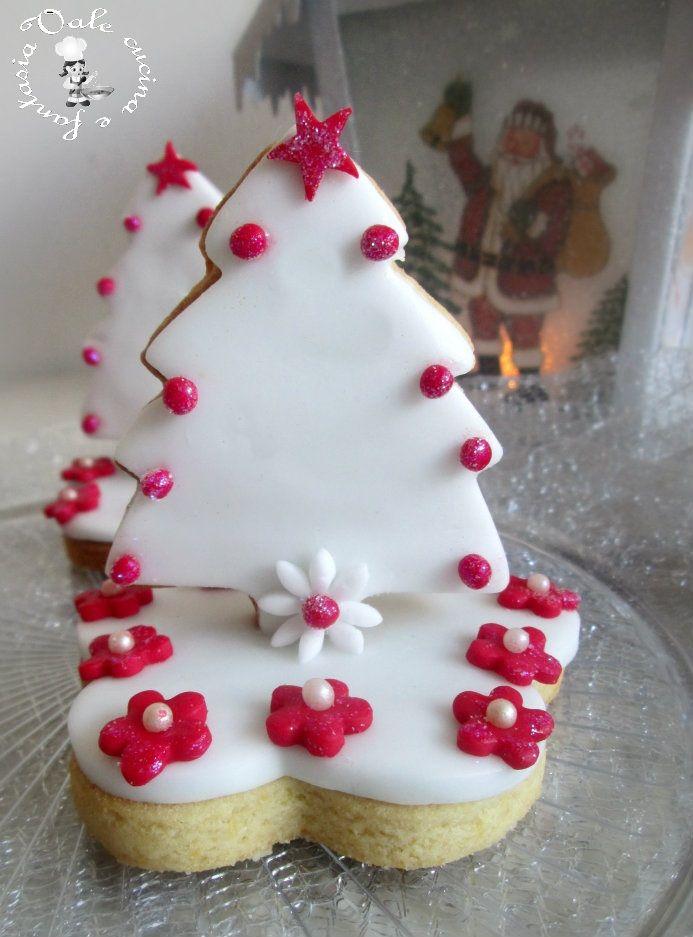 Alberelli di biscotti decorati