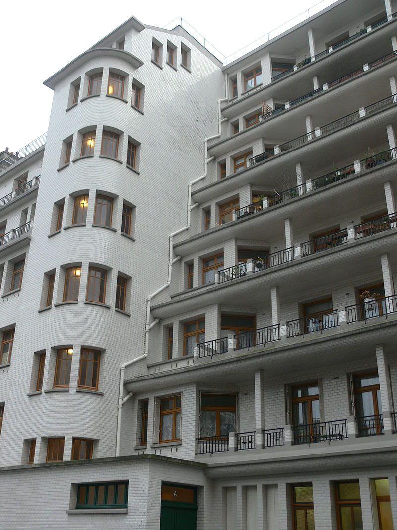 Immeuble Sauvage Piscine Des Amiraux Rue Des Amiraux Front