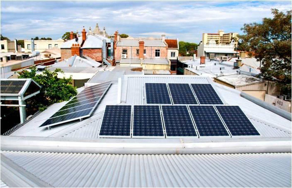 Limpieza De Placas Solares Placas Solares Fotovoltaicas Solar Panels Roof Solar Panel Outdoor Decor