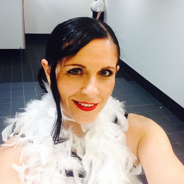 Yup, its a toilet selfie, complete with feathers!  But how fabulous is that Arbonne Strawberry lipstick??  Long wearing, feather resistant, toxin free... you really CAN eat it! ;)