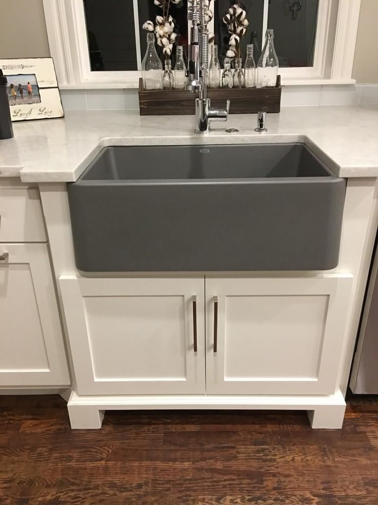 Blanco Ikon 33 Single Bowl Farmhouse Apron Sink Metallic Gray