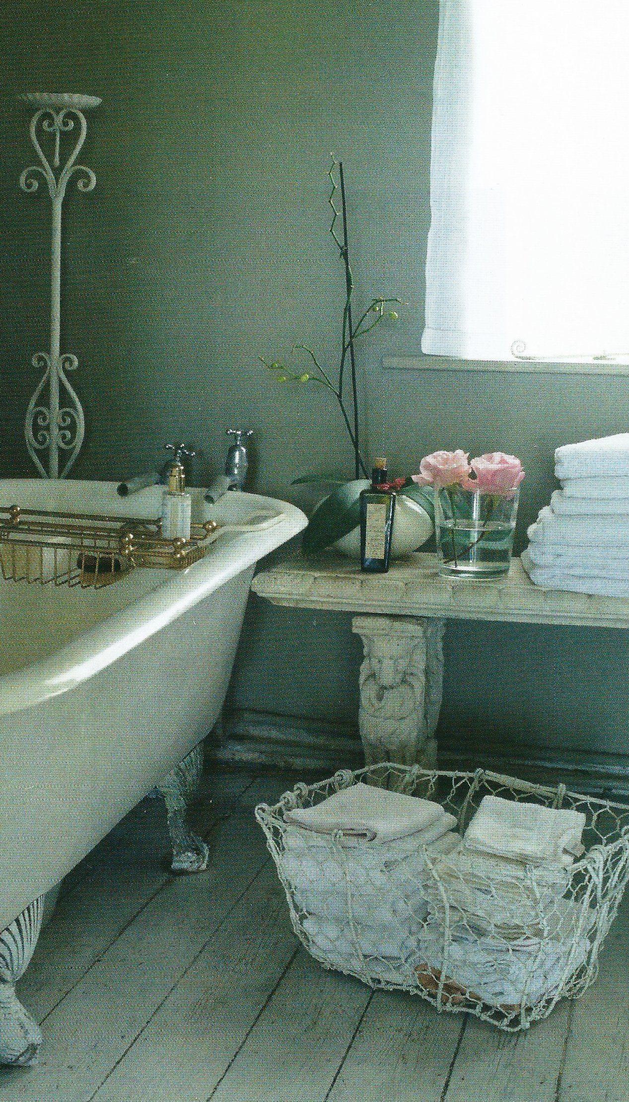 bathroom...so beautiful, salle de bains retro, salle de bain vintage ...