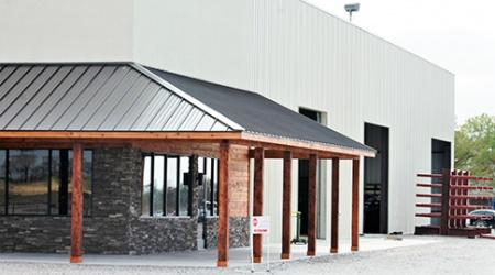 Metal Warehouse Sherman Tx Steel In 2020 Steel Buildings Metal Roof Metal Roofing Systems