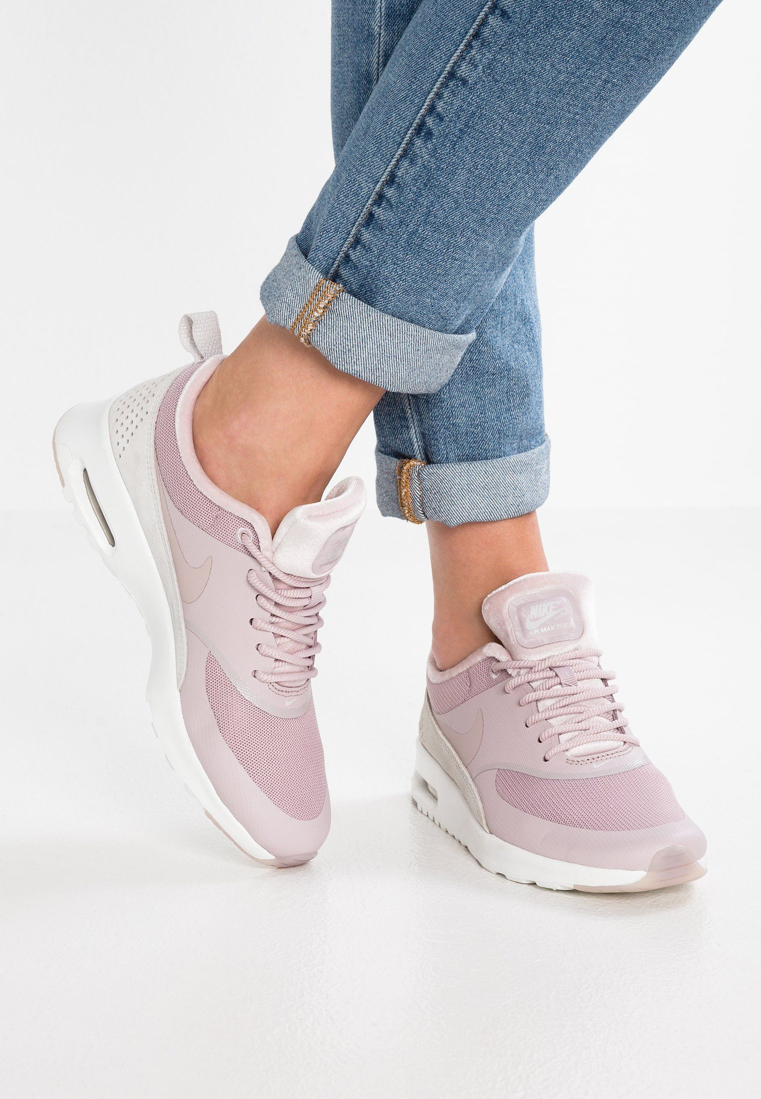 tira Intolerable profundo  Nike Sportswear AIR MAX THEA LX - Trainers - particle rose/vast grey -  Zalando.co.uk | Air max thea, Sneakers, Nike air thea