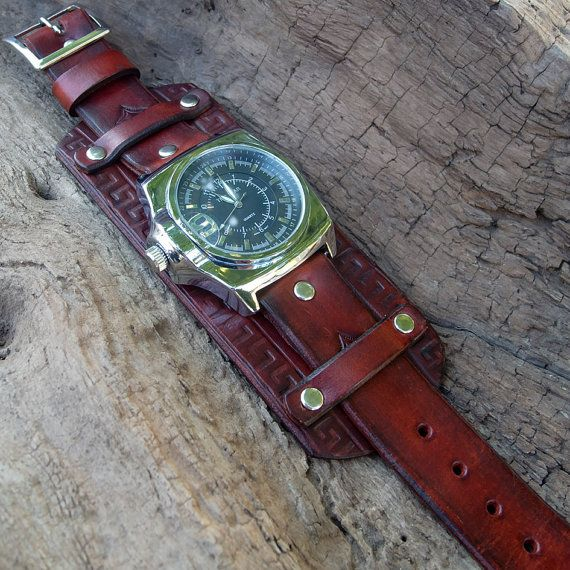Mens Leather watch Right-hand watch Leather by Jullyetjewelryshop