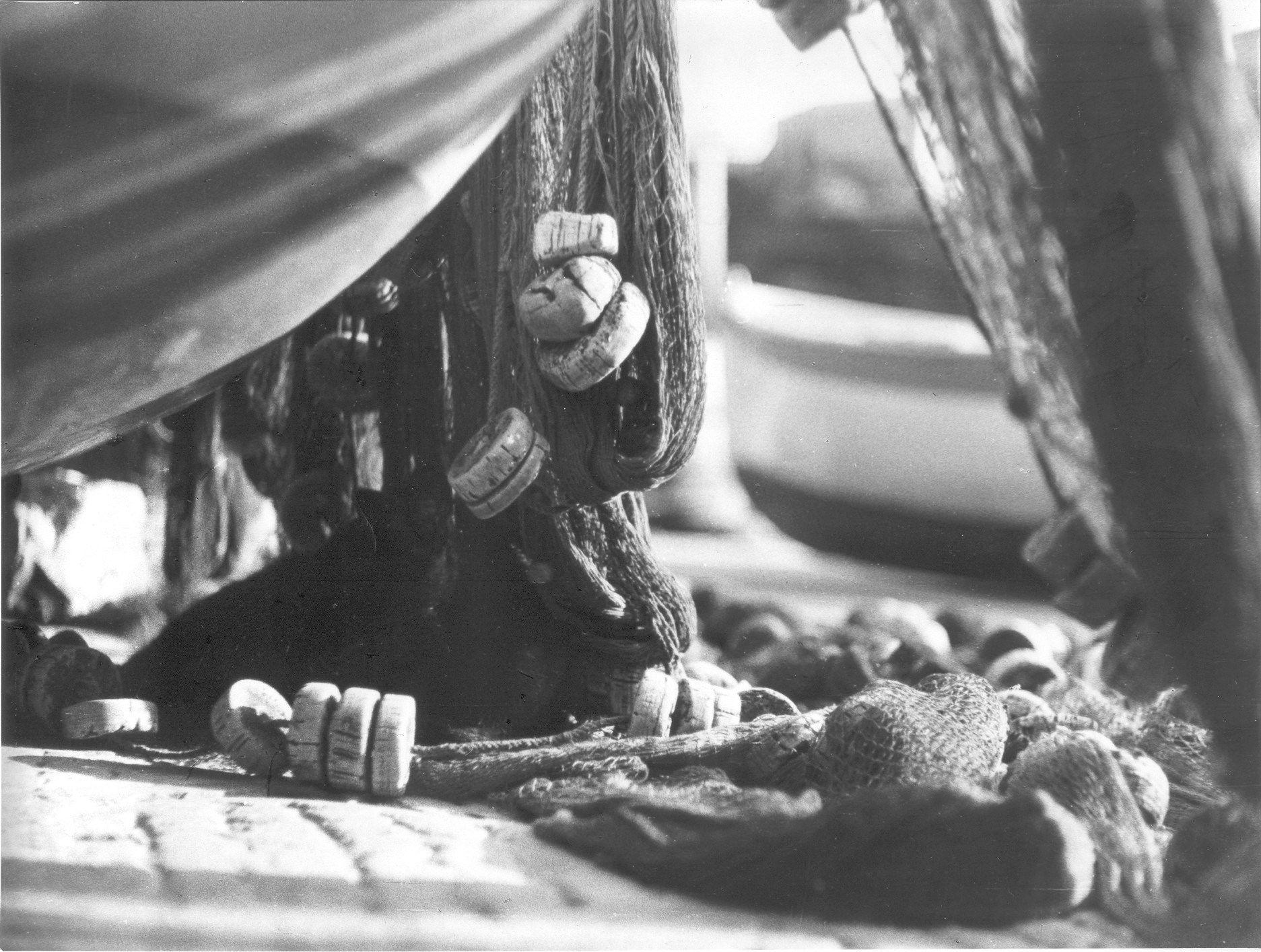 Reti di pescatori a Portofino / Fishing nets in Portofino (Photo: Publifoto, anni '50-'60) #portofino #rivieraligure #liguria
