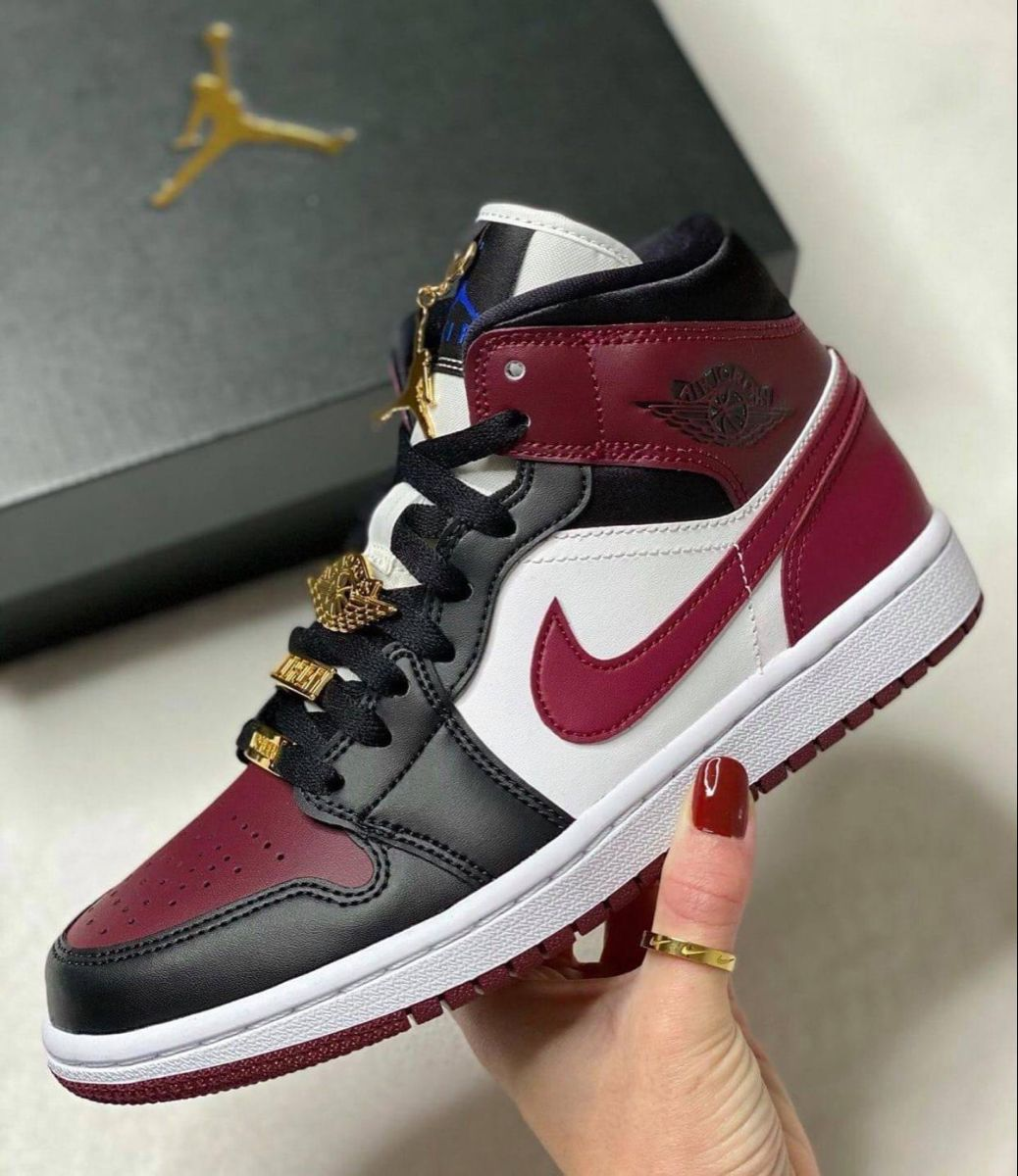 Ble ed???? on Spotify | Jordan shoes girls, Sneakers fashion ...