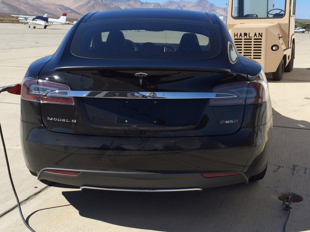 Is This Tesla Model S P85D The D Elon Musk Tweeted About