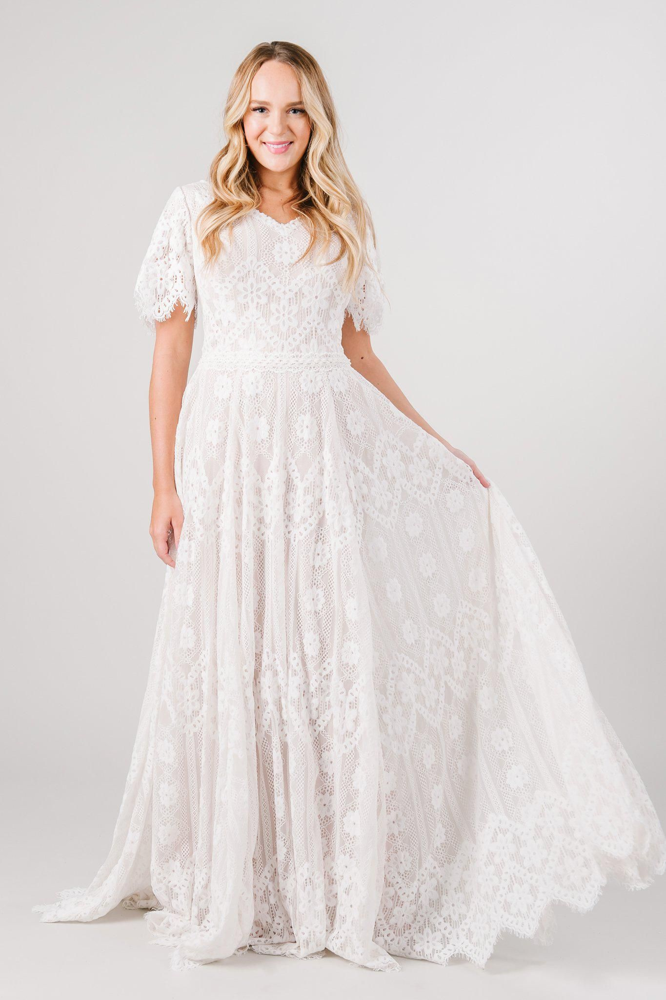 Calabria In Stock In 2021 Modest Wedding Dresses Wedding Dress Long Sleeve Wedding Dress Sleeves [ 2048 x 1365 Pixel ]