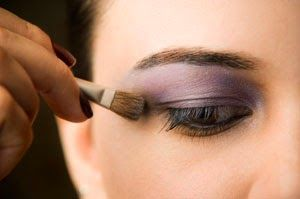 How to Apply Eyeshadow Step by Step