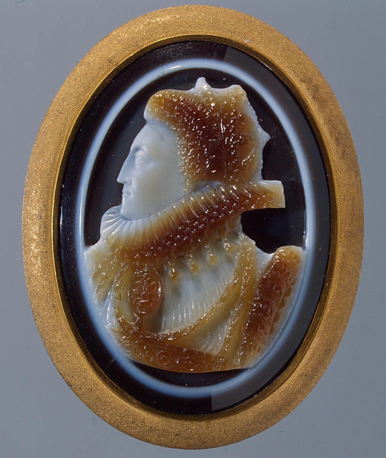 """""""Elizabeth I of England"""" Cameo of Sardonyx and gold ca. 1575   The State Hermitage Museum St. Petersburg"""