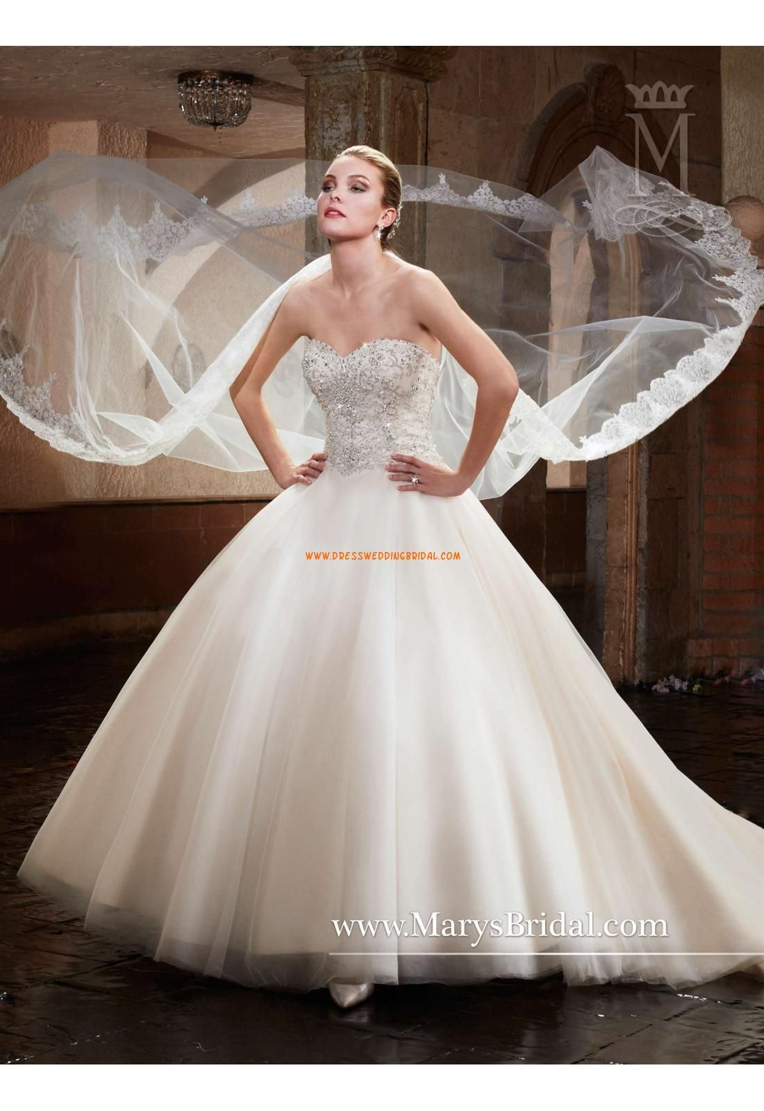 Reasonable price for Vintage Style Sweatheart Neckline Organza Wedding Dresses Chapel Train Bridal Dresses