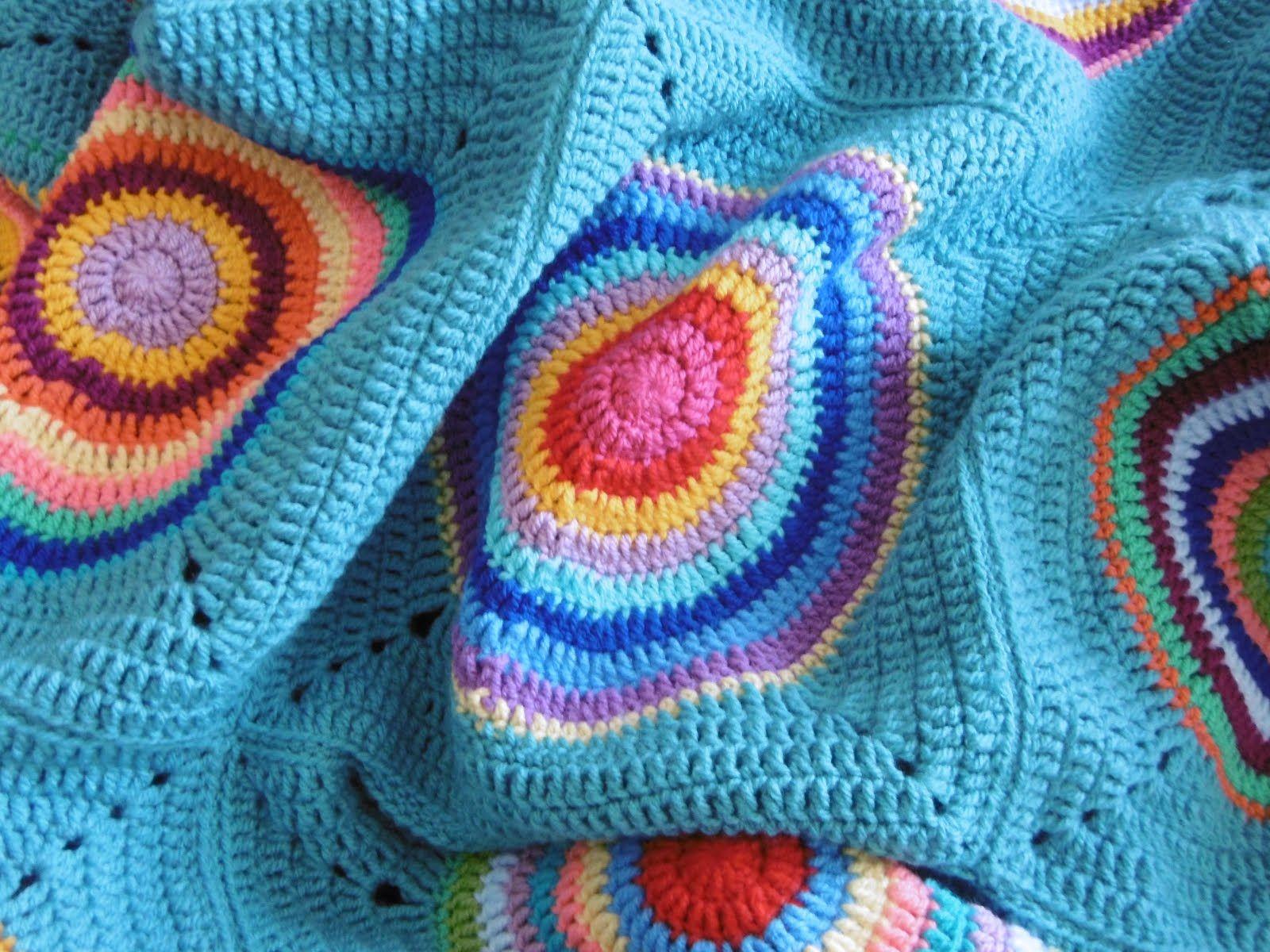 Oh Happy Day - Granny Square Decke | Stricken Decke | Pinterest ...