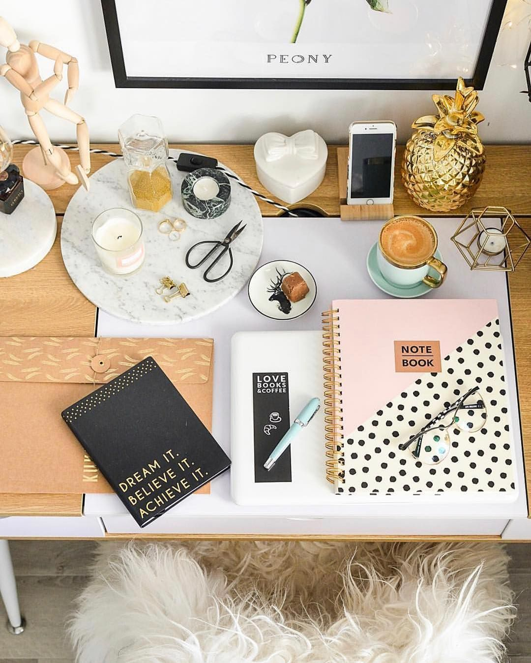 Diy Homeoffice Desk Ideas: Beautiful Desk Setup . . #desklifebliss #intentionalliving