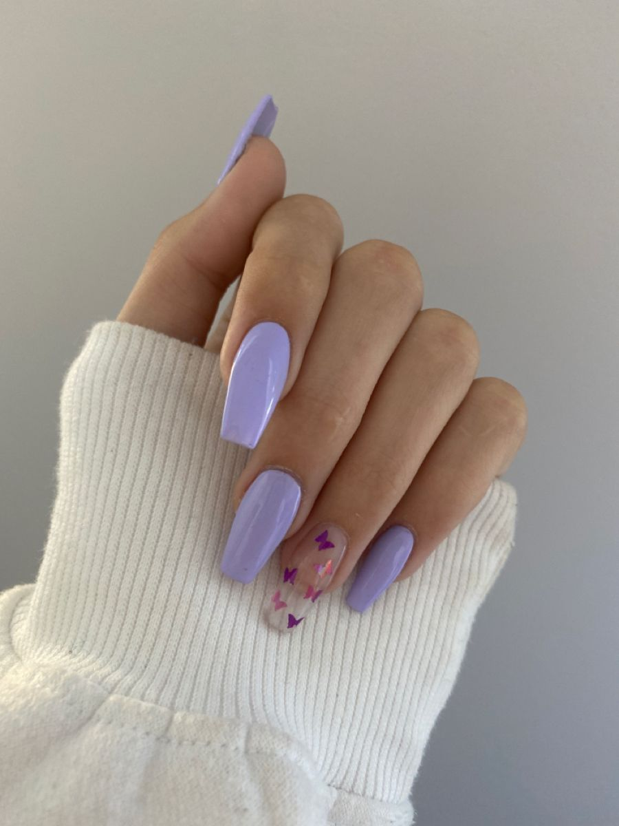Acrylic Nails In 2020 Lilac Nails Purple Acrylic Nails Lilac Nails With Glitter