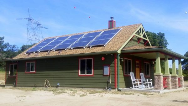 Off The Grid Bungalow In Southern California Solar Panel Cost Solar Panels For Home Luxury Landscaping