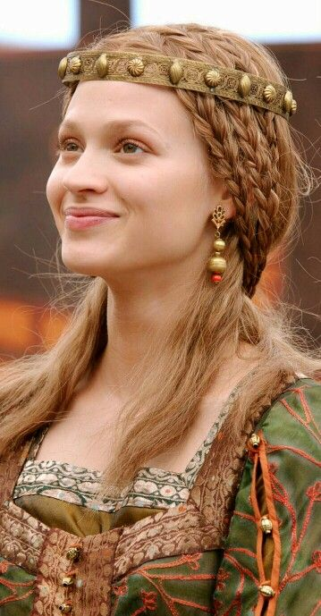 beautiful viking hairstyle lena ring of the nibelungs hairstyles pinterest coiffure. Black Bedroom Furniture Sets. Home Design Ideas