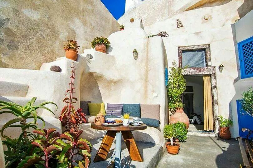 """Cave house style, Cyclades """"Amazing Greece experiences"""""""