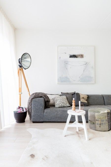 I need to restyle at home. Definitely my style!! Loving house in ...