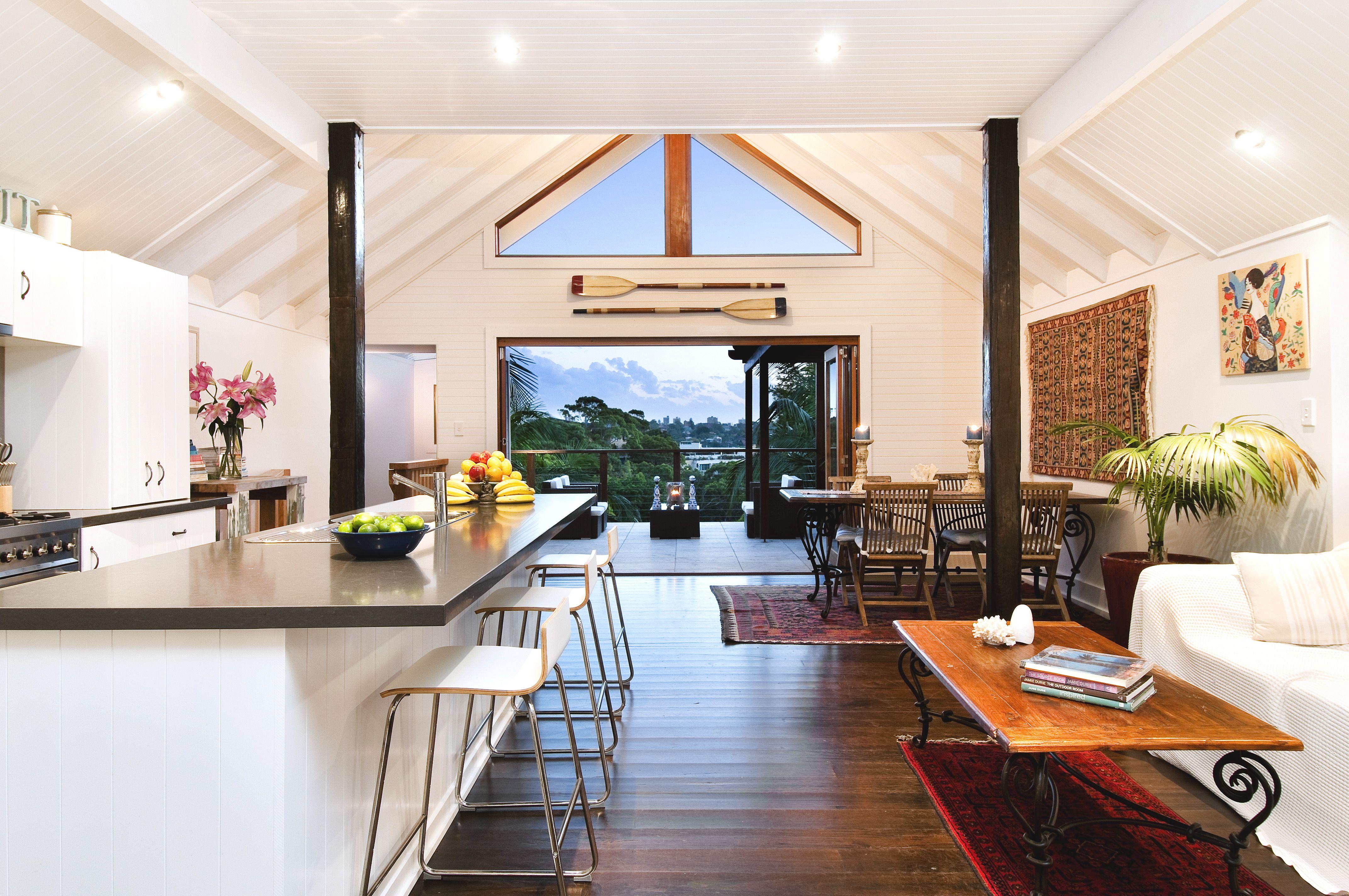 Contemporary australian house interior design in white