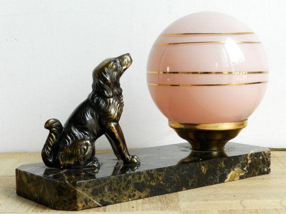 Lampe de table Art déco base en marbre chien en by FrenchOldies