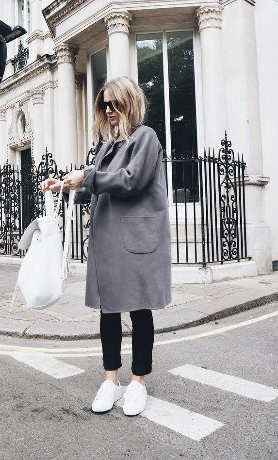 Look manteau gris + baskets blanches | Mode, Photo de mode