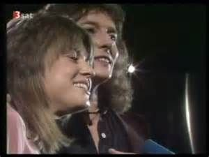 Vh1 S 100 Greatest One Hit Wonders No 26 Stumblin In 1978 By Chris Norman Suzi Quatro The Song Which Went To No 4 Top 40 Songs One Hit Wonder Vh1