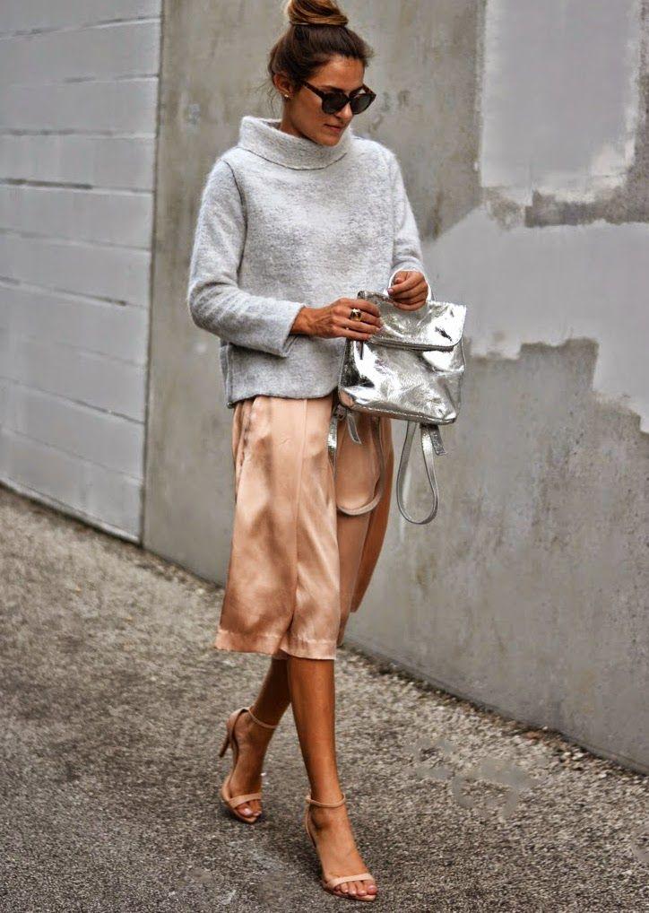 410fe4510cf Gray sweater silver bag
