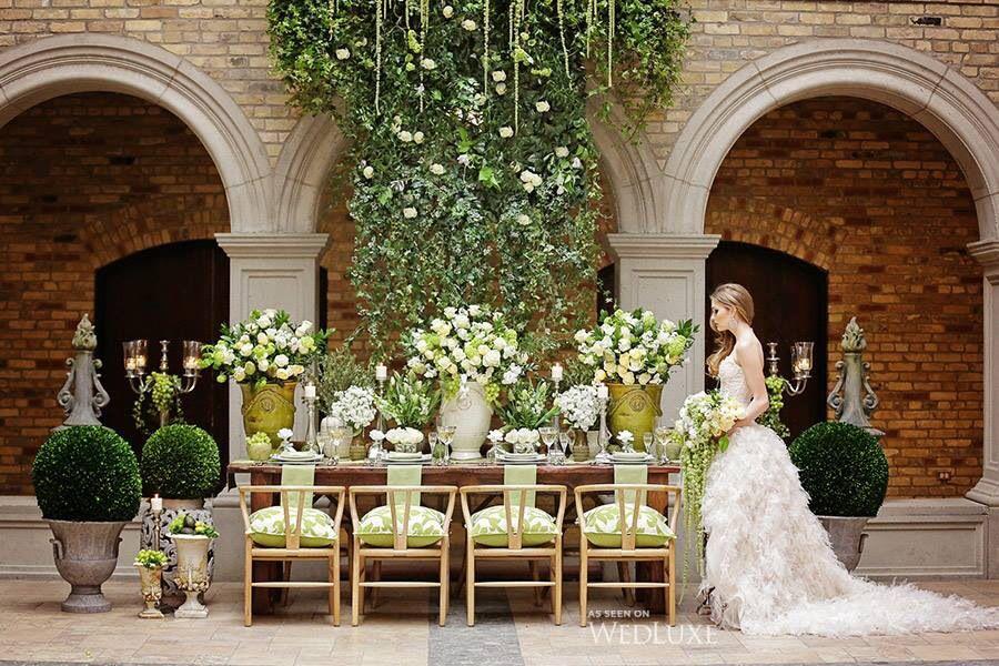 Al Fresco wedding courtesy from @wedluxe