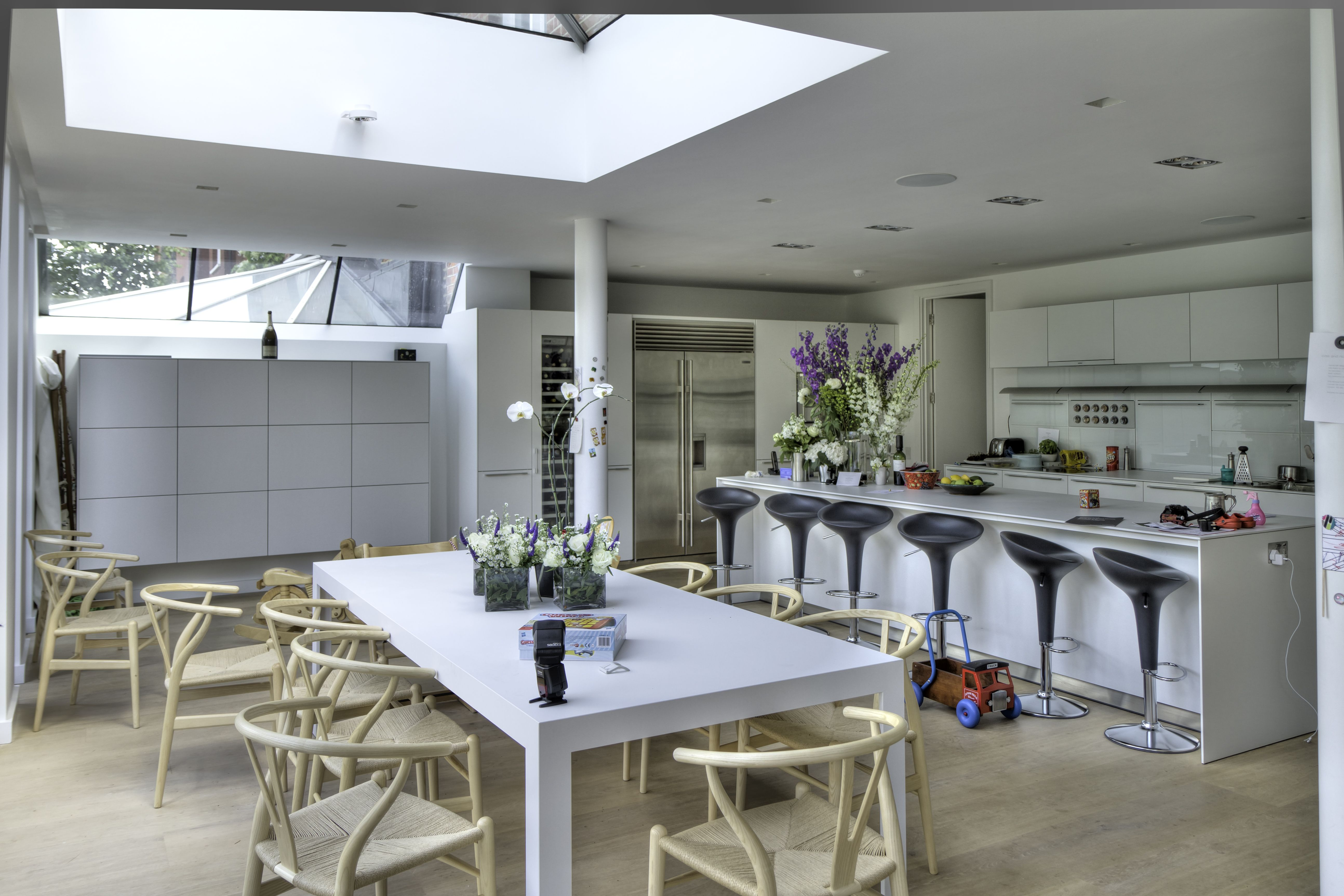 The design is a sharp looking bulthaup b3 kitchen in Alpine White ...