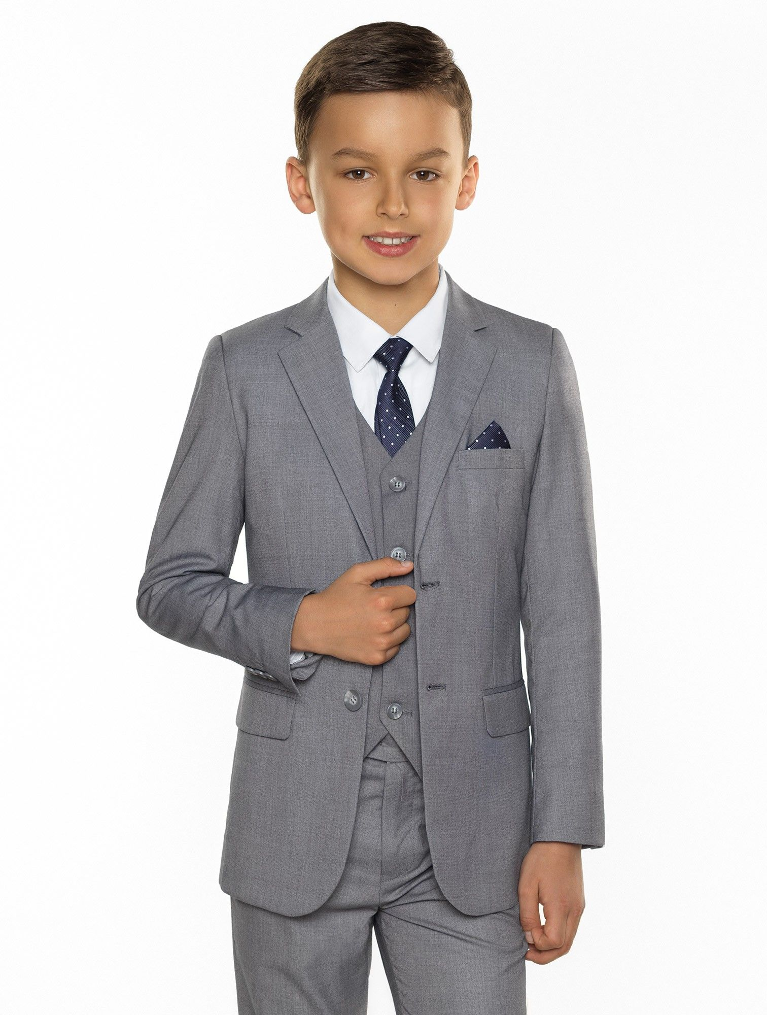 boys grey wedding outfit | "|1512|2000|?|2d52a890155c7e73c479567715fe9850|False|UNLIKELY|0.35939928889274597