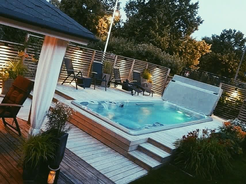 Have some fun with this SWIMSPA! Pool, hot tub, home gym