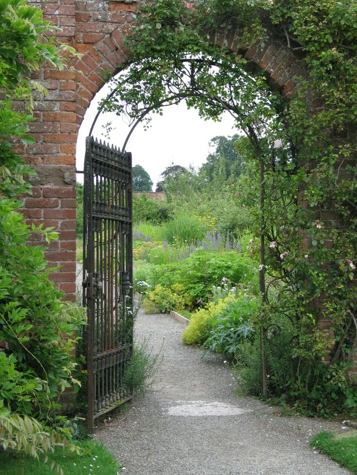 sing-a-song-o-sixpence:  Berrington Hall Gardens, Leominster