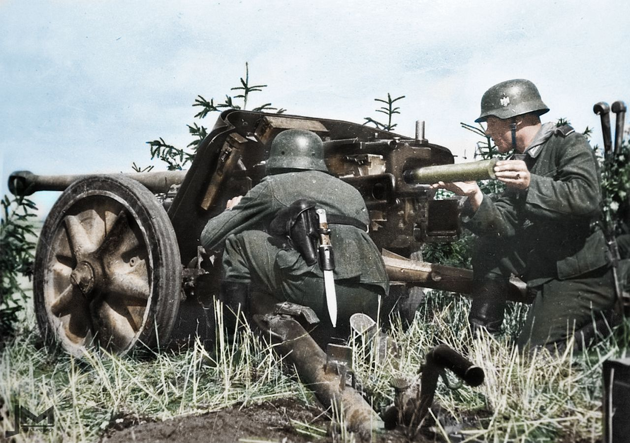 German 50 Mm Anti Tank Gun: German Gunners Of The 19th Panzer Division Manning A 50 Mm