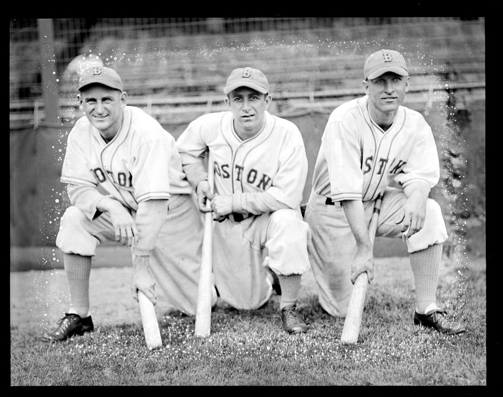 L To R Boston Bees Buck Jordan Tony Cuccinello And Gene Moore Kneeling With Bats At Braves Field Braves Chicago Cubs Cincinnati Reds