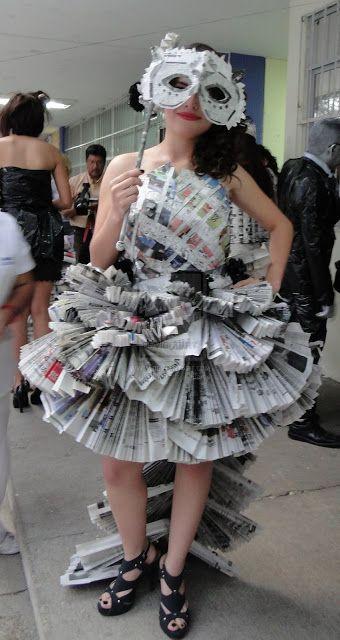 bba88d6925 Vestidos de papel de periódico reciclado  ¿Cómo se recicla