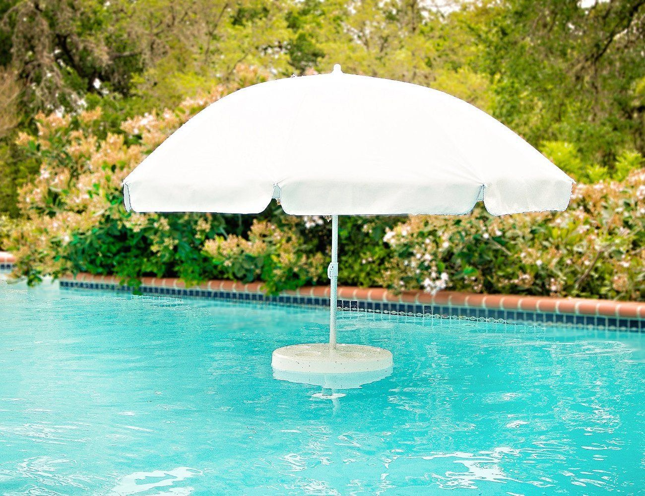 Relaxation Station Pool Lounge: Floating Pool Table With Umbrella