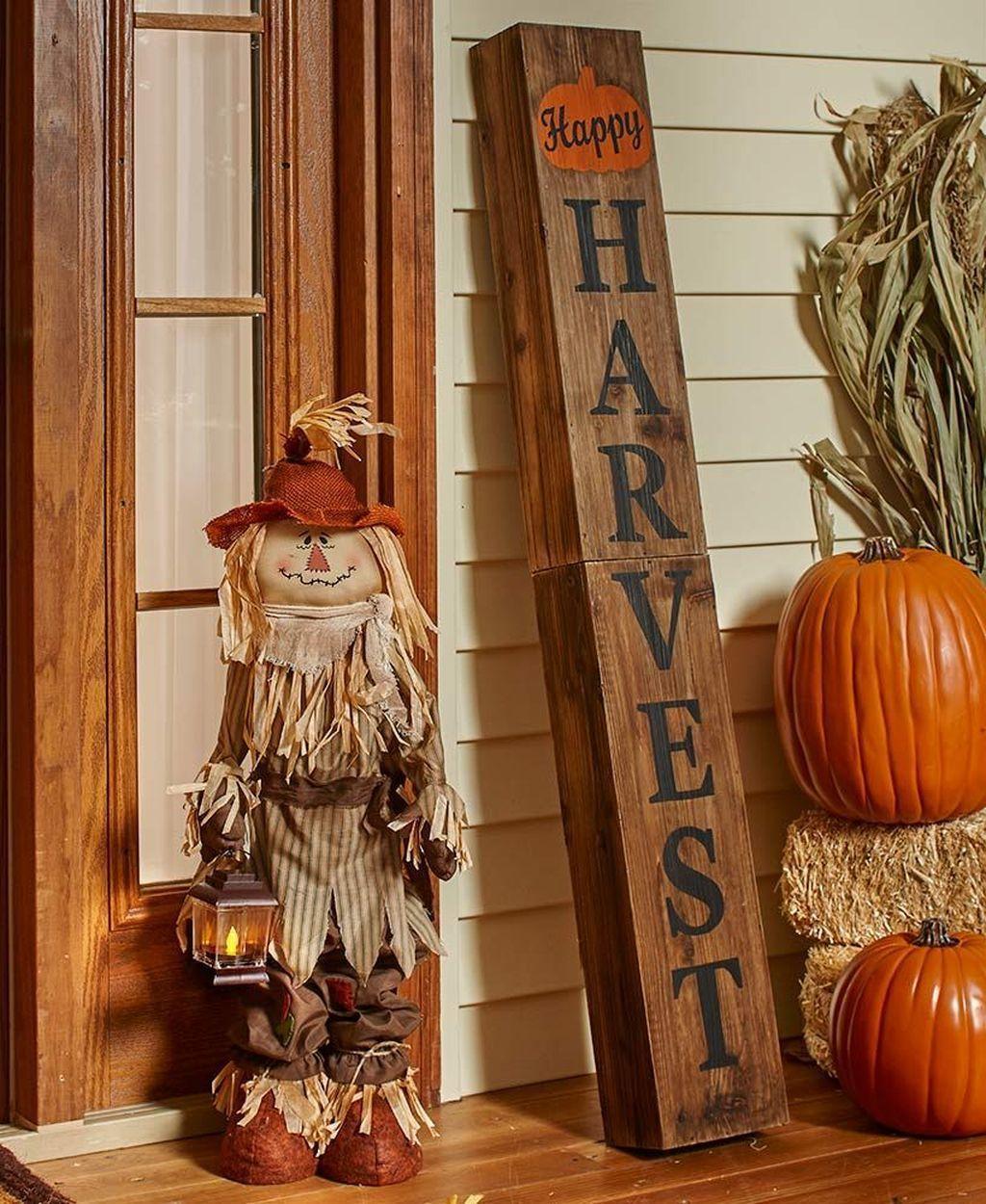32 Lovely Outdoor Fall Decor Ideas Searchomee Fall Outdoor Decor Fall Decorations Porch Fall Decor Diy