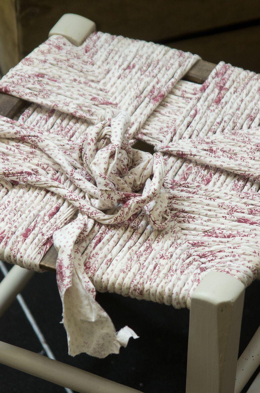 Rentissage De Chaise Avec Des Draps Dessus De Chaise Idees De Recyclage Rempaillage Chaise