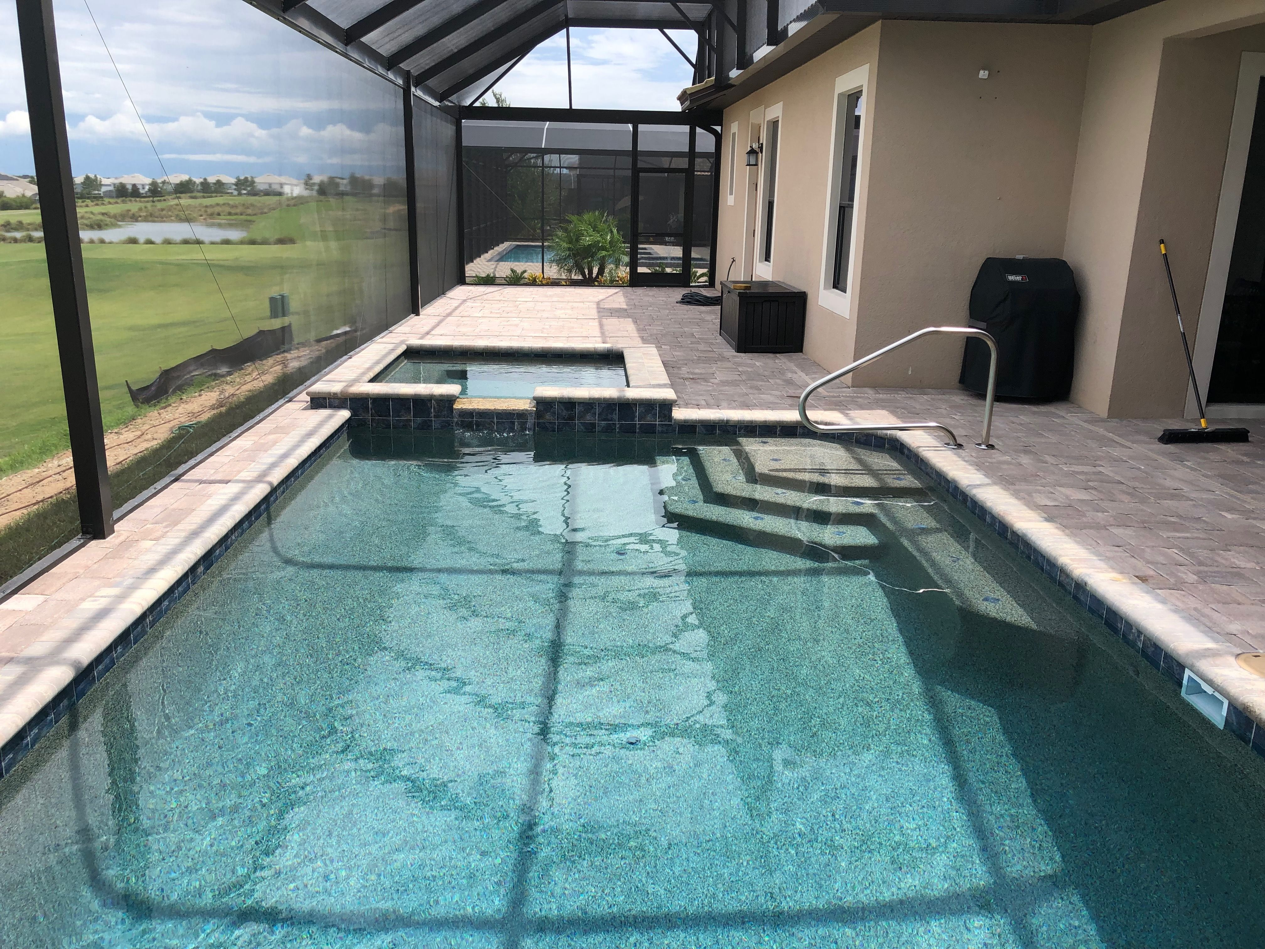 Swimming Pool And Spa In Orlando Cool Swimming Pools Swimming Pools Backyard Swimming Pools Inground