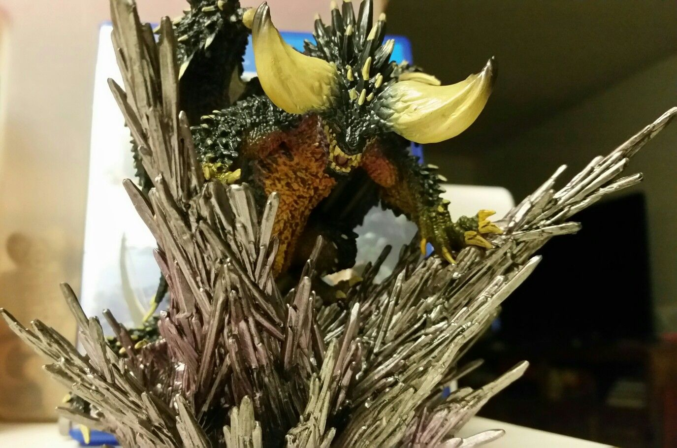 Nergigante figure that came with the monster hunter world for Decorations monster hunter world