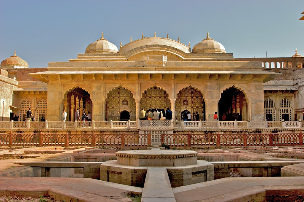 Rajasthan Is One Of The Most Beautiful Tourist Spot With More Number Of Forts And Buildings If