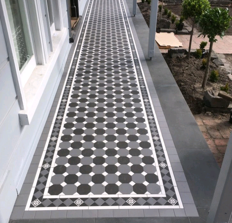 Tessellated Tiles Oxley Checker Pattern Dark Grey Octagon With Carbon Black Octagons With Soft White Dots 35mm Norwood 120 Tiles House Exterior Wall Tiles